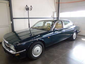 Daimler Daimler Six 4.0 134'000 km CHF9'600 - acquistare su carforyou.ch - 2