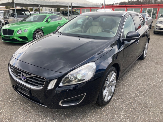 estate Volvo V60 D5 Summum Geartronic