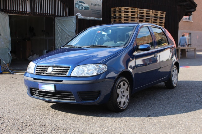 saloon Fiat Punto 1.2 16V Class