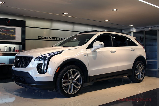 Cadillac XT4 2.0 TD Sport AWD 100 km 65'250 CHF - buy on carforyou.ch - 1