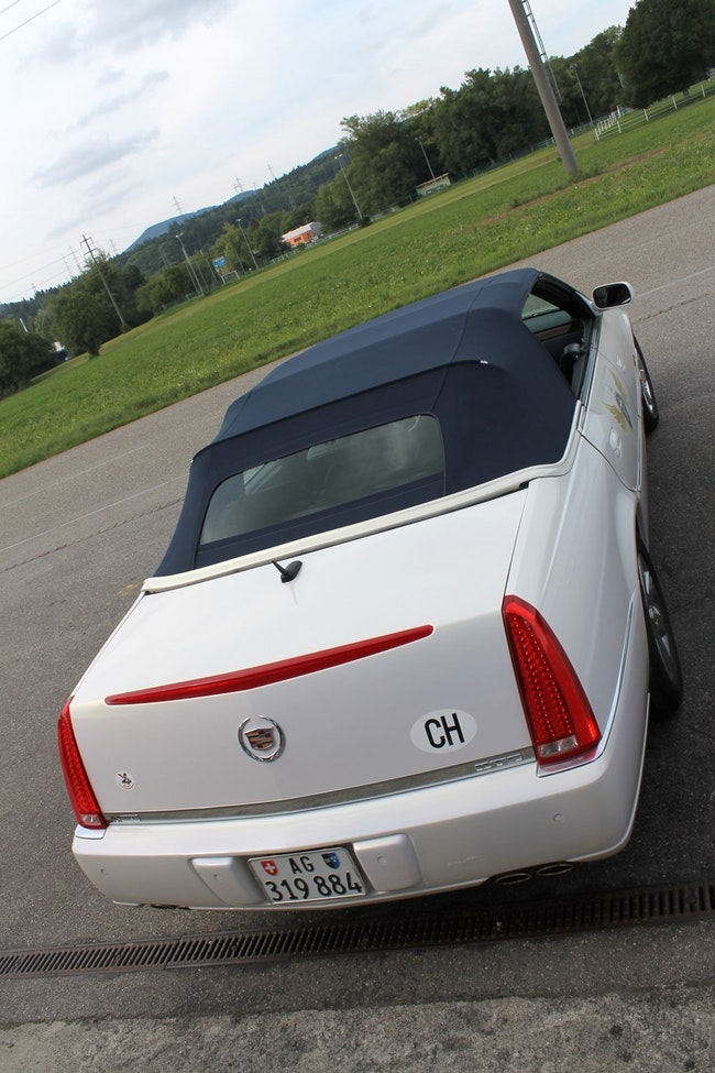 Cadillac DTS 4-türiges Cabriolet (sehr selten!) 53'000 km CHF42'000 - acquistare su carforyou.ch - 1