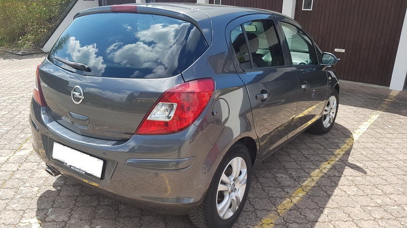 Opel Corsa 99'000 km 6'700 CHF - acquistare su carforyou.ch - 1