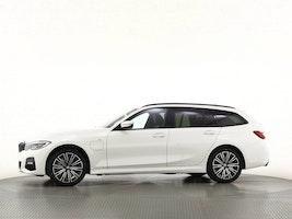 BMW 3er 330e xDrive Touring SAG 50 km 74'350 CHF - buy on carforyou.ch - 2