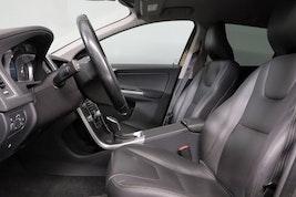 Volvo XC60 2.4 D5 Summum AWD 66'100 km 23'400 CHF - buy on carforyou.ch - 3