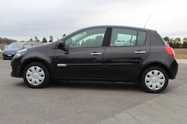 Renault Clio 1.6 16V Initiale 122'000 km 3'900 CHF - buy on carforyou.ch - 2