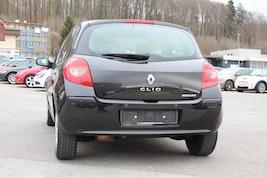 Renault Clio 1.6 16V Initiale 122'000 km 3'900 CHF - buy on carforyou.ch - 3