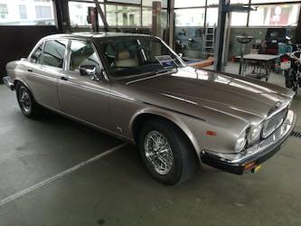 Daimler Daimler Double Six 5.3 147'500 km CHF22'892 - acquistare su carforyou.ch - 2