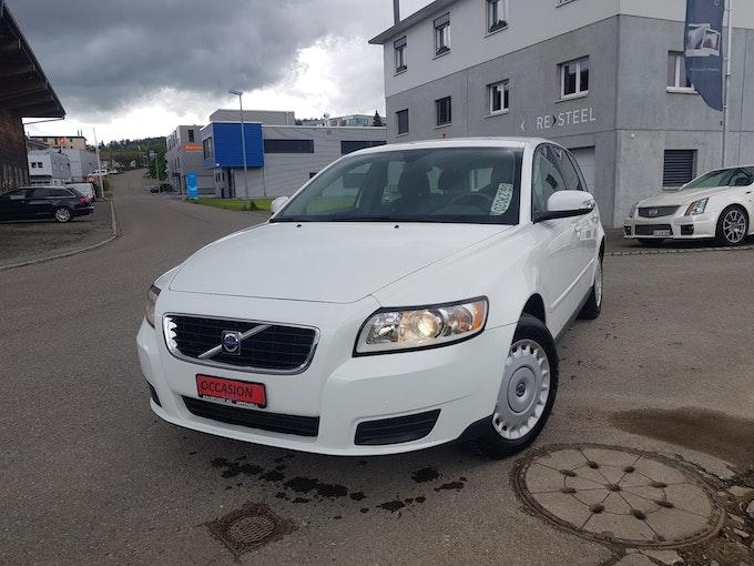 Volvo V50 1.6 D Momentum 99'600 km 6'850 CHF - buy on carforyou.ch - 1