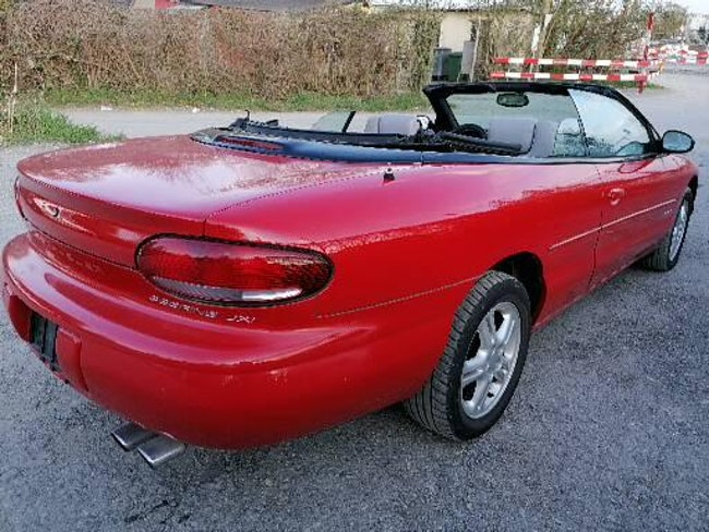 Chrysler Sebring Cabriolet 2.5 JXI 78'000 km CHF900 - acheter sur carforyou.ch - 1