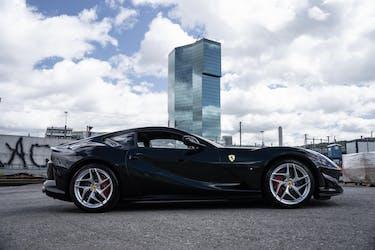 Ferrari 812 Superfast 4'900 km CHF342'900 - acquistare su carforyou.ch - 3