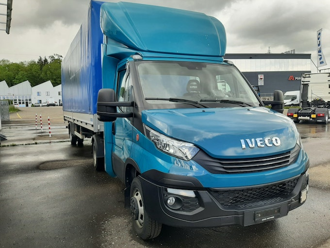 Iveco Daily / Turbo Daily Daily 50C21A8/P mit Auflieger 250'000 km 41'500 CHF - acheter sur carforyou.ch - 1