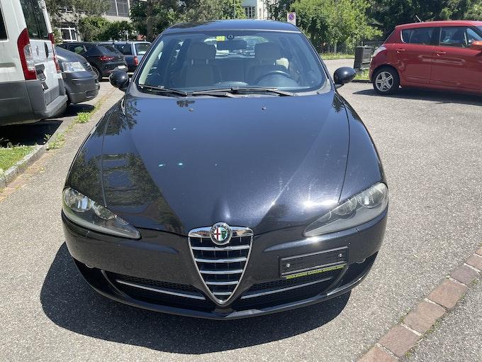 Alfa Romeo 147 1.9 JTD 16V 150 Distinctive 146'850 km CHF3'000 - kaufen auf carforyou.ch - 1