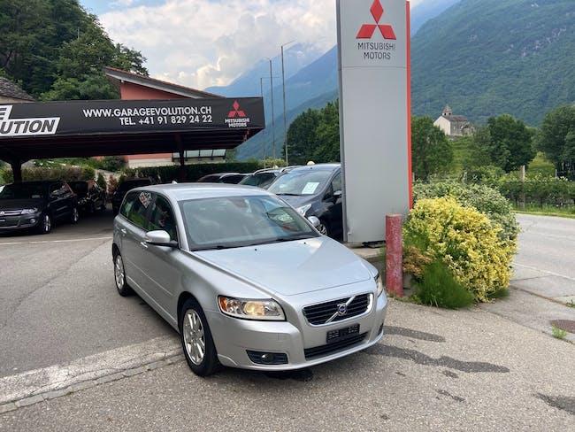 Volvo V50 2.0D Momentum 96'000 km CHF6'900 - buy on carforyou.ch - 1