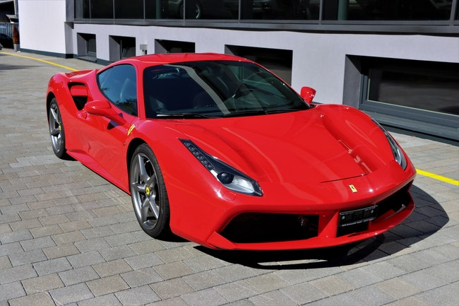 Ferrari 488 GTB 3.9 V8 46'000 km CHF184'880 - acquistare su carforyou.ch - 1