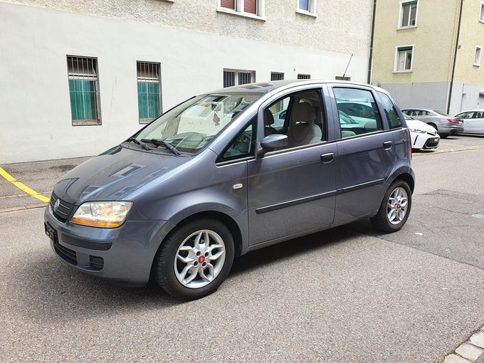 Fiat Idea 1.4 16V Active 156'000 km 1'900 CHF - buy on carforyou.ch - 1