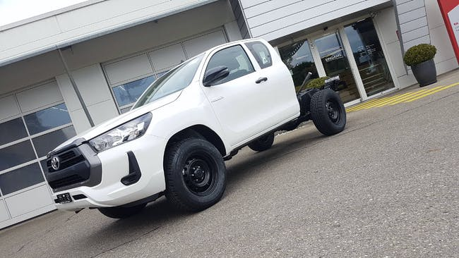 Toyota Hilux Extra Cab.-Chassis 2.4 D 10 km CHF34'300 - acheter sur carforyou.ch - 1