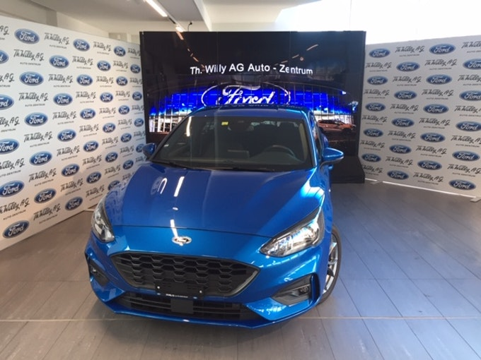 Ford Focus 1.0i EcoB 125 ST-Line 10'000 km 24'500 CHF - buy on carforyou.ch - 1