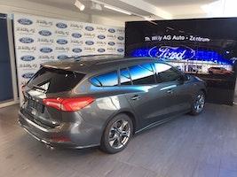 Ford Focus Station Wagon 1.0i EcoB 125 ST-Line 18'000 km 23'900 CHF - buy on carforyou.ch - 3