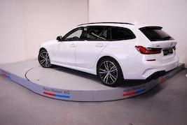 BMW 3er 320e xDr Tour M Sport 10 km 69'900 CHF - buy on carforyou.ch - 3