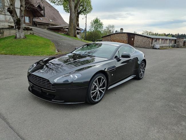 Aston Martin V8/V12 Vantage S V8 Vantage 4.7 S Sportshift SP10 13'800 km 69'999 CHF - buy on carforyou.ch - 1