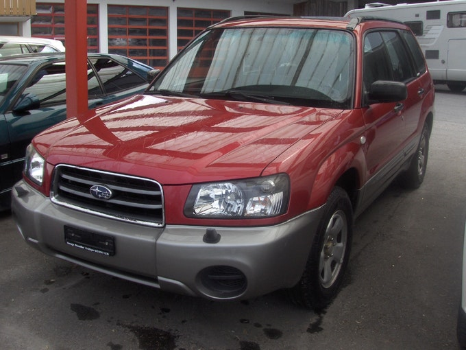 Subaru Forester 2.0X Comfort Automatic 177'000 km 4'900 CHF - buy on carforyou.ch - 1