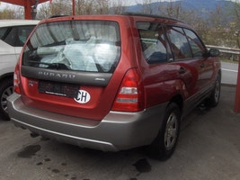 Subaru Forester 2.0X Comfort Automatic 177'000 km 4'900 CHF - buy on carforyou.ch - 3