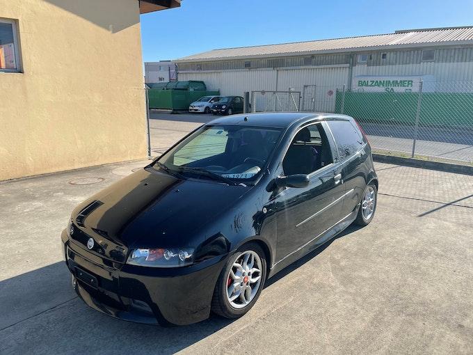 Fiat Punto 1.8 16V HGT 187'000 km 1'200 CHF - buy on carforyou.ch - 1