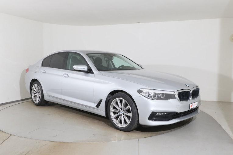 BMW 5er 520 i Sport Line Steptronic 20'000 km 30'800 CHF - buy on carforyou.ch - 1