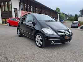 Mercedes-Benz A-Klasse A 160 (150) BlueEfficiency Elégance 139'000 km 4'900 CHF - buy on carforyou.ch - 2