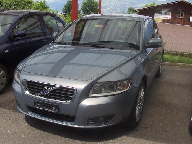 Volvo V50 2.0 Kinetic 154'000 km 6'900 CHF - acquistare su carforyou.ch - 1