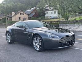 Aston Martin V8/V12 Vantage V8 Vantage 4.7 Sportshift 29'700 km CHF54'900 - buy on carforyou.ch - 2