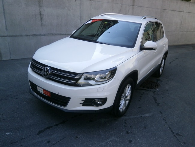 VW Tiguan 2.0 TSI Sport&Style 4Motion 79'000 km 13'900 CHF - buy on carforyou.ch - 1