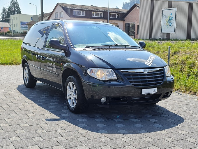 Chrysler Voyager 2.8 CRD LX Automatic 297'000 km CHF700 - buy on carforyou.ch - 1