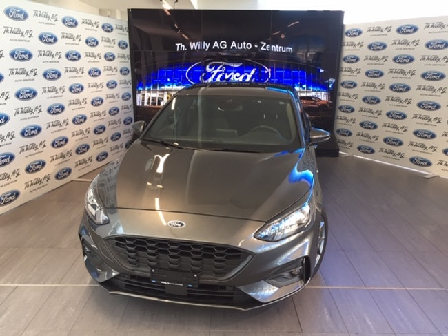 Ford Focus 1.0i EcoB 125 ST-Line 20'000 km 23'900 CHF - buy on carforyou.ch - 1