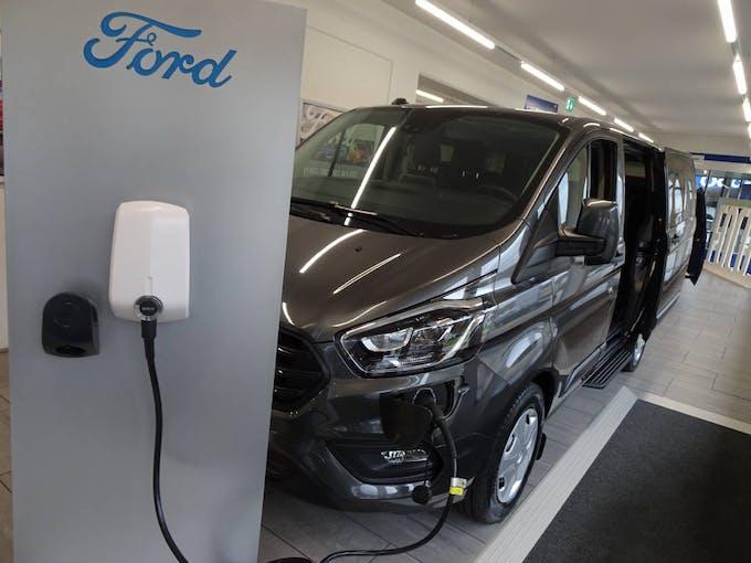Ford Transit Custom Kombi PHEV Trend 10'000 km CHF39'900 - buy on carforyou.ch - 1