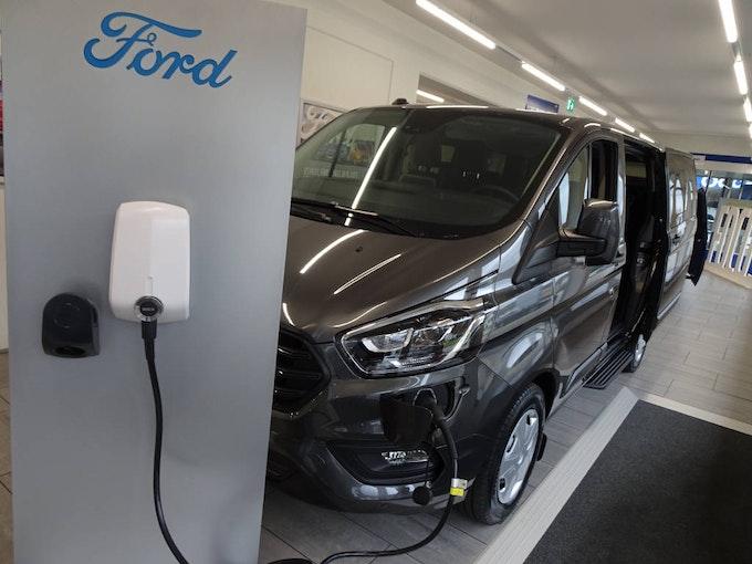 Ford Transit Custom Kombi PHEVTrend 3'500 km 45'500 CHF - acquistare su carforyou.ch - 1