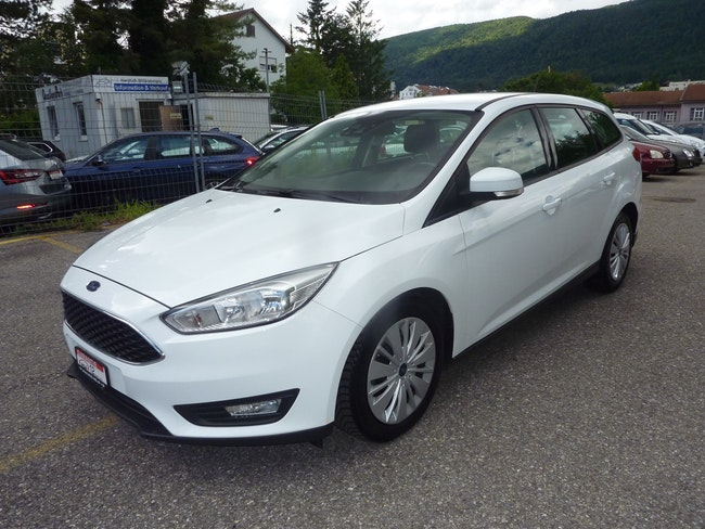 Ford Focus 1.5 TDCi Business PowerShift 177'000 km 8'500 CHF - buy on carforyou.ch - 1