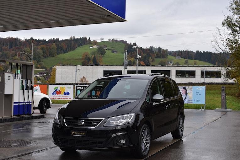 SEAT Alhambra 2.0 TDI FR Line 4Drive *CH-Fahrzeug**7-Plätzer**Spurhalte-& Totwinkelassist.* 49'000 km CHF34'800 - buy on carforyou.ch - 1