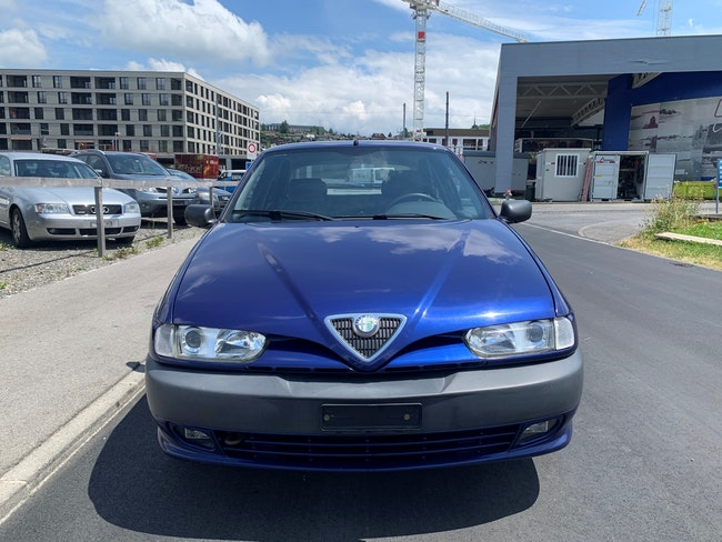 Alfa Romeo 146 1.6 TS 16V L 83'000 km CHF1'800 - acheter sur carforyou.ch - 1