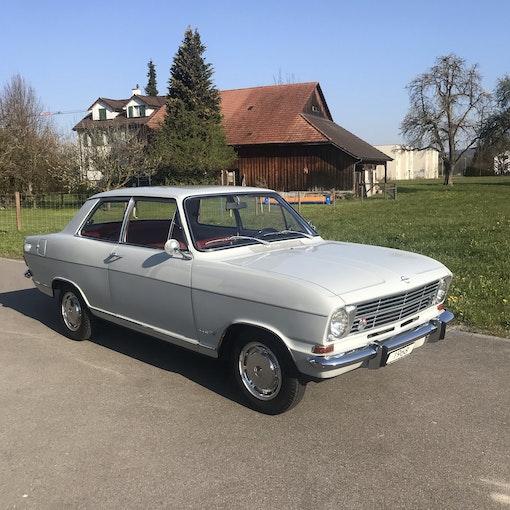 Opel Kadett 1100 Luxus 71'000 km CHF14'800 - acquistare su carforyou.ch - 1