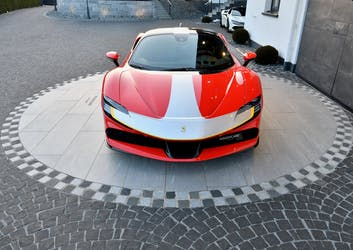 Ferrari SF90 Stradale 450 km CHF680'000 - acheter sur carforyou.ch - 3