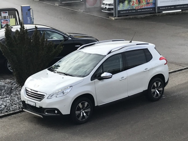 Peugeot 2008 1.2 PureTech Allure 69'000 km CHF12'490 - buy on carforyou.ch - 1