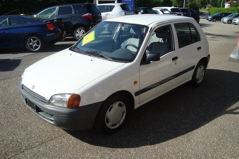 Toyota Starlet 1.3 298'000 km CHF2'900 - kaufen auf carforyou.ch - 1
