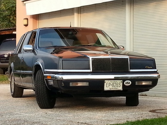 Chrysler New Yorker , 5th Ave. New Yorker, 1991, Targhe US Perfetta 300'000 km CHF15'000 - buy on carforyou.ch - 1