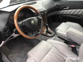 Alfa Romeo 166 3.0 V6 24V Super 56'400 km CHF9'800 - buy on carforyou.ch - 3