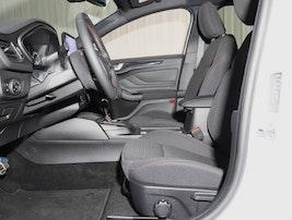 Ford Focus Station Wagon 1.0i EcoB 125 ST-Line 12'600 km CHF22'390 - buy on carforyou.ch - 3