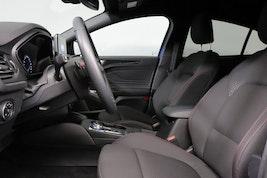 Ford Focus 1.0i EcoB 125 ST-Line 6'500 km CHF23'900 - buy on carforyou.ch - 3