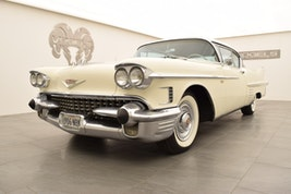 Cadillac Deville Coupe Series 62 87'115 km CHF62'900 - buy on carforyou.ch - 3