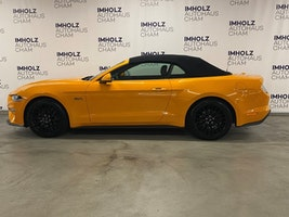 Ford Mustang Convertible 5.0 V8 GT 41'500 km CHF44'950 - buy on carforyou.ch - 3