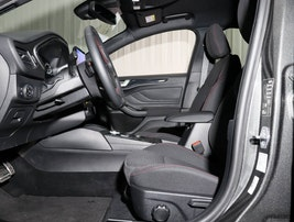 Ford Focus 1.0i EcoB 125 ST-Line 15'200 km CHF23'490 - buy on carforyou.ch - 3